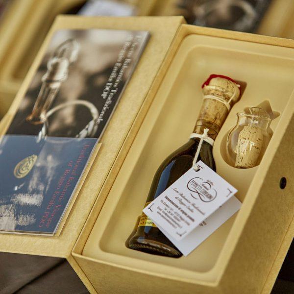 Aceto Balsamico Tradizionale Reggio Emilia - Gift Box - open